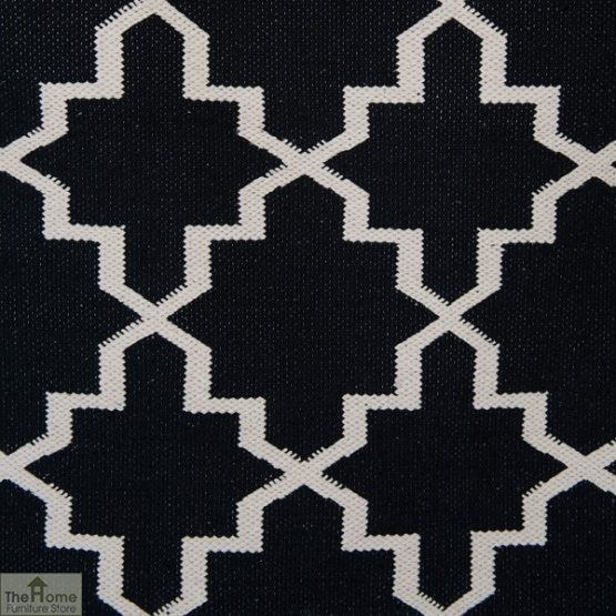 Black White Reversible Patterned Rug_3
