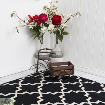 Black White Reversible Patterned Rug_4
