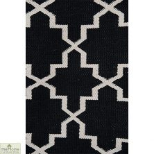 Black/White Reversible Patterned Rug