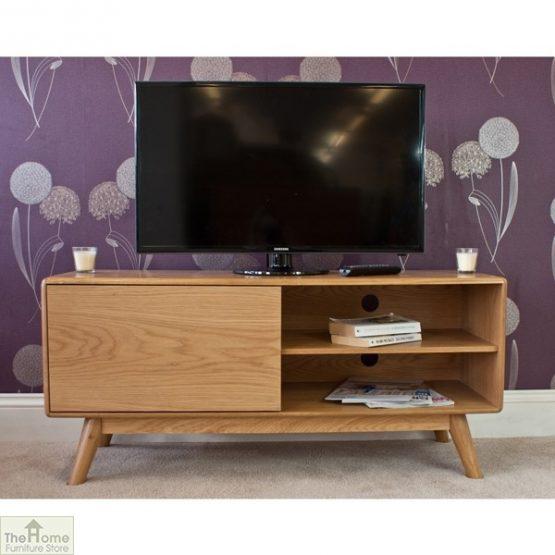 Casamoré Retro Style Oak TV Unit