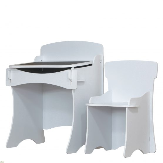 Childrens Desk And Chair_4