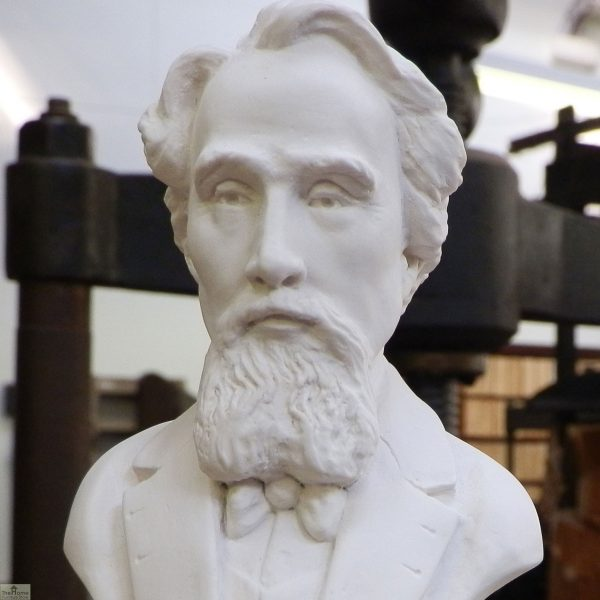Charles Dickens Bust Ornament _1