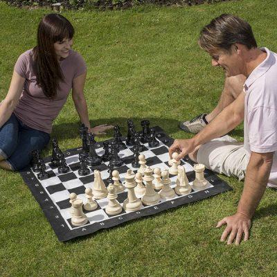 Giant Garden Chess_1